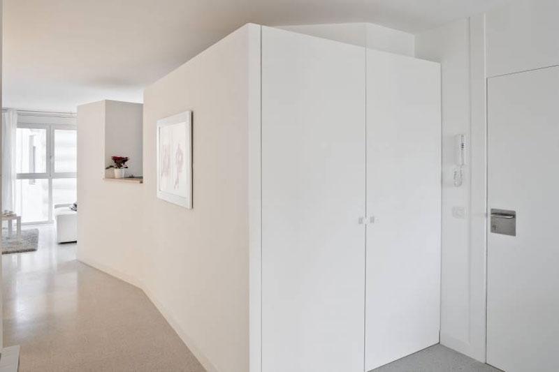 E111. Interior d'habitatge tipus. Foto: Adrià Goula